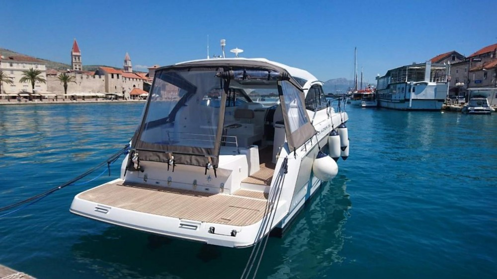 Jeanneau Leader 36 between personal and professional Trogir