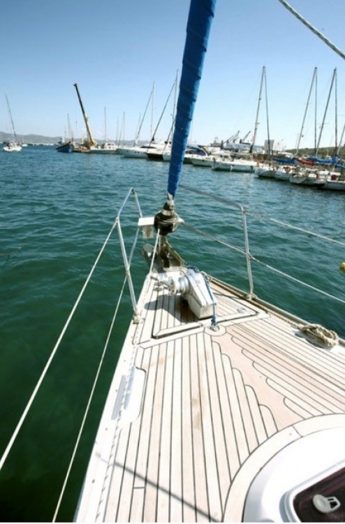 Sailboat for rent Korfu at the best price