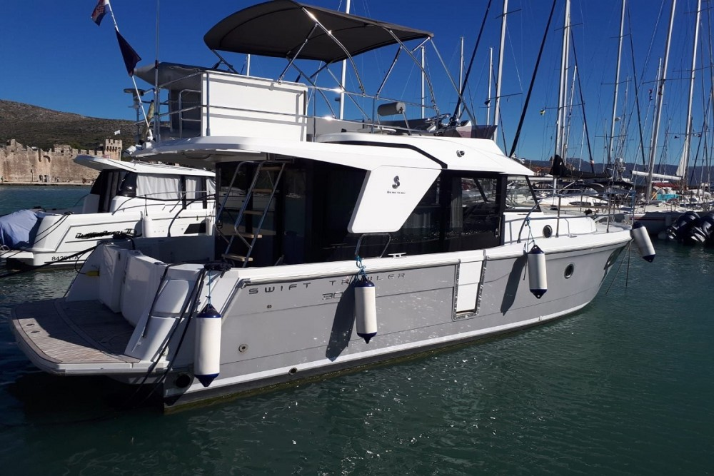 Bénéteau Swift Trawler 30 between personal and professional