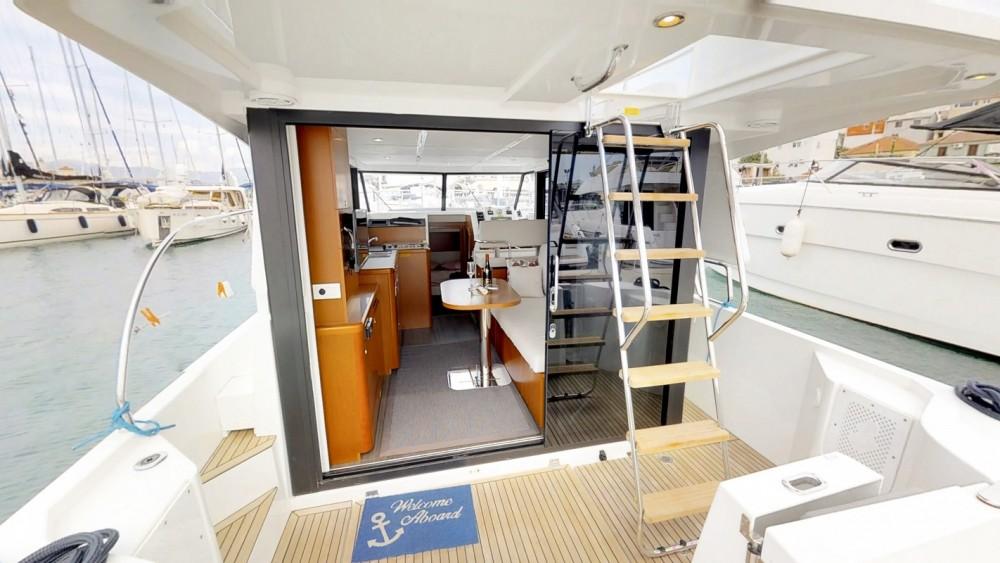 Boat rental Bénéteau Swift Trawler 30 in  on Samboat
