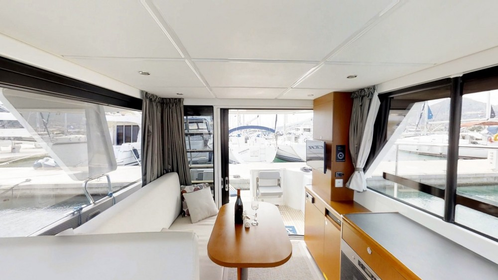 Rental yacht  - Bénéteau Swift Trawler 30 on SamBoat