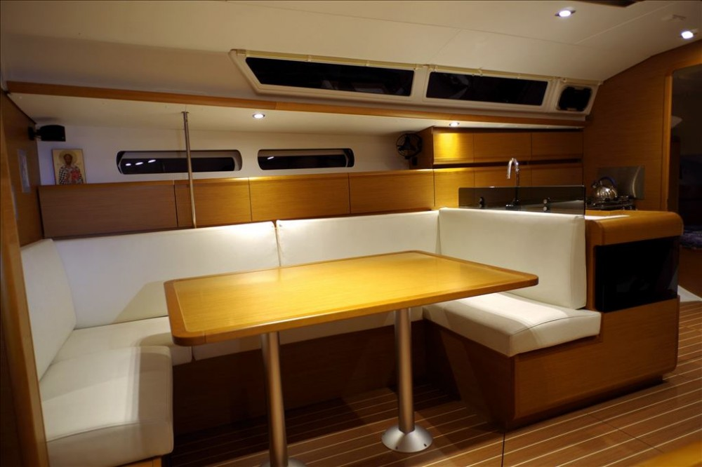 Jeanneau Sun Odyssey 439 between personal and professional Corfu