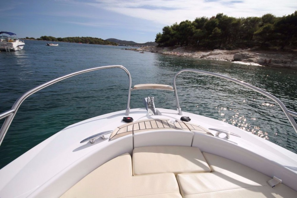 Boat rental Sessa Marine Key Largo 24 in Croatia on Samboat