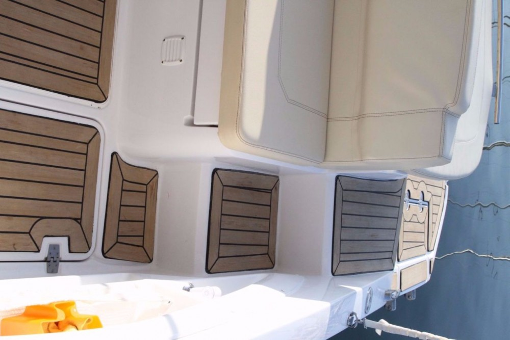 Rental Motorboat in Croatia - Sessa Marine Key Largo 24