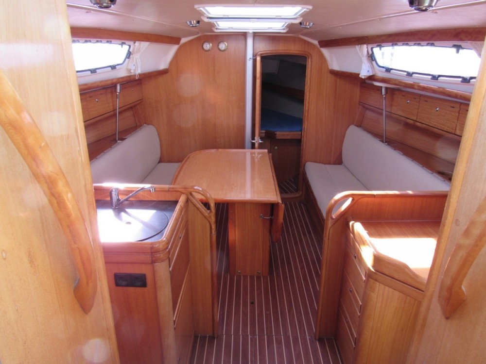 Rental yacht Split - Bavaria Bavaria 31 Cruiser on SamBoat