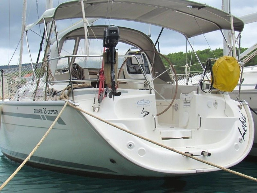 Boat rental Bavaria Bavaria 33 Cruiser in Split on Samboat