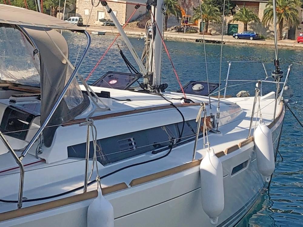 Boat rental Split cheap Sun Odyssey 379