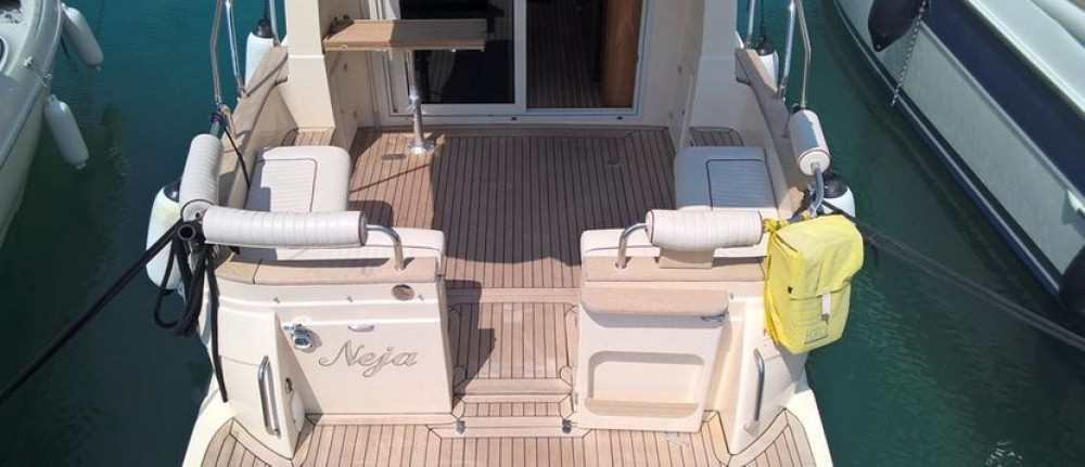 Hire Motor boat with or without skipper Damor Jezera