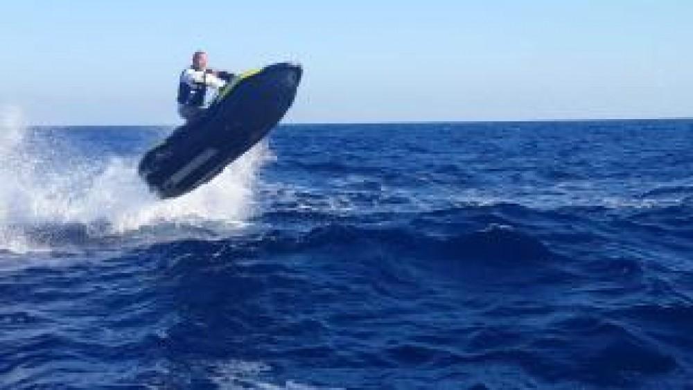 Sea-Doo SEA DOO SPARK 90HP between personal and professional Jezera