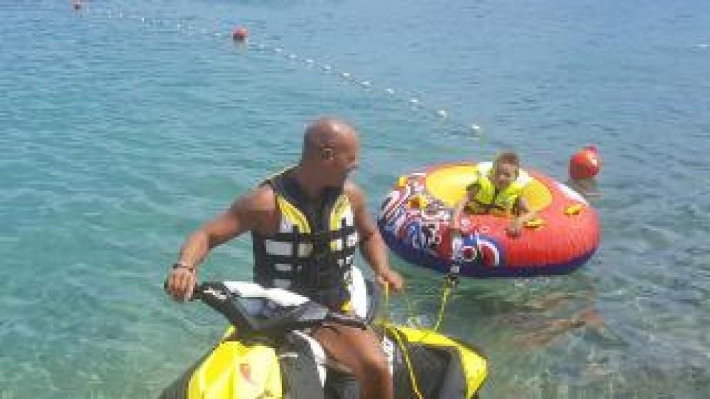 Rent a Sea-Doo SEA DOO SPARK 90HP Jezera