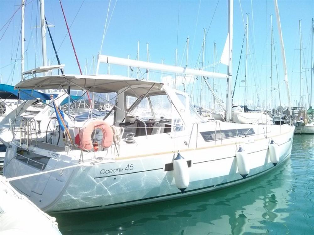 Bénéteau Oceanis 45 between personal and professional Corfu