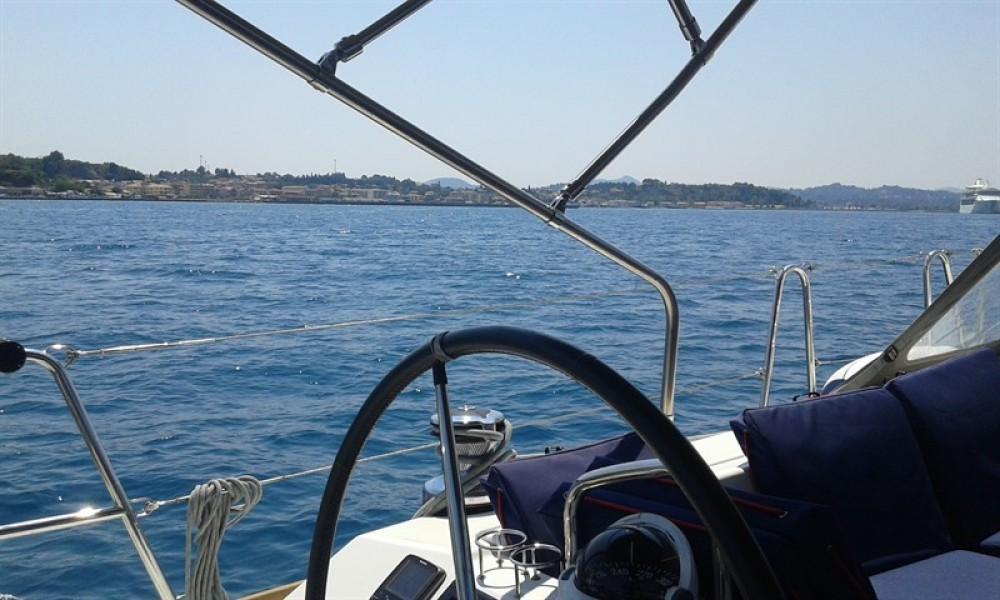 Rent a Bénéteau Oceanis 45 Corfu