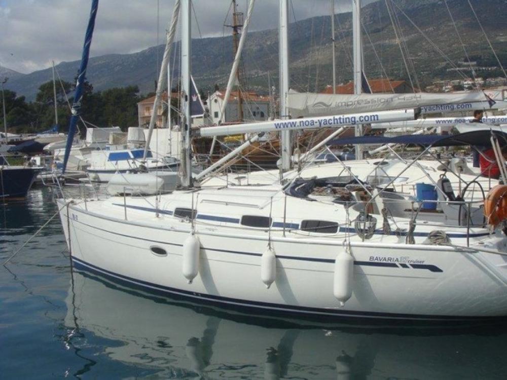 Rental yacht Croatia - Bavaria Bavaria 37 Cruiser on SamBoat