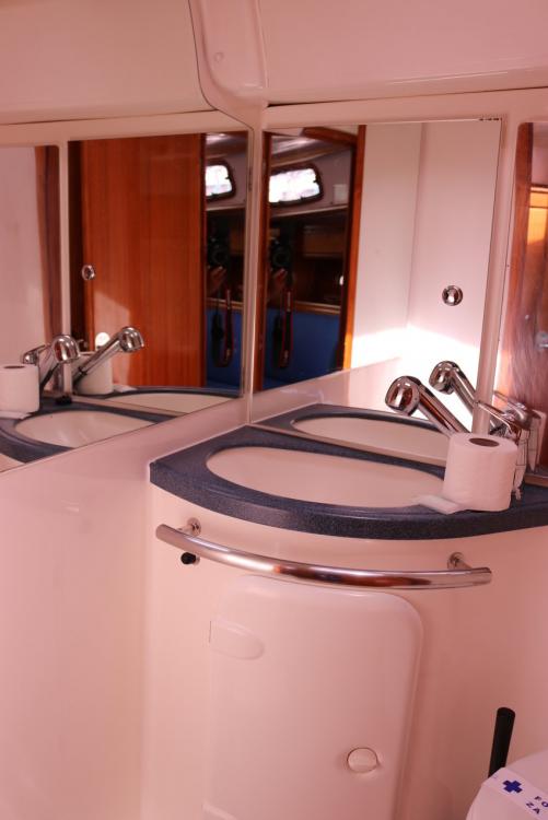 Rental Sailboat in Croatia - Bavaria Bavaria 37 Cruiser