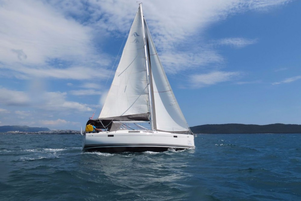 Rental Sailboat in Croatia - Hanse Hanse 385