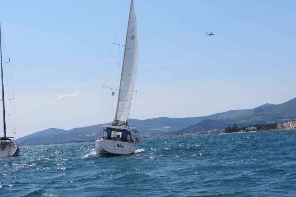 Rental yacht Croatia - Hanse Hanse 385 on SamBoat