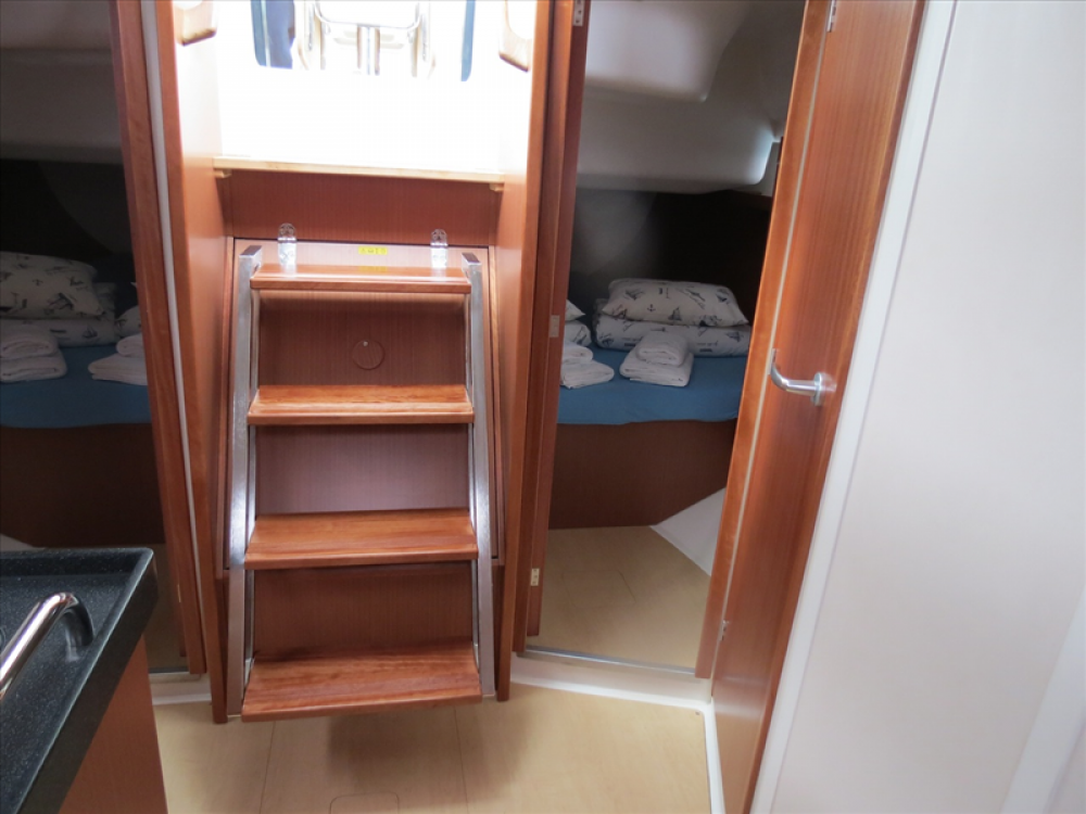 Boat rental Croatia cheap Hanse 385