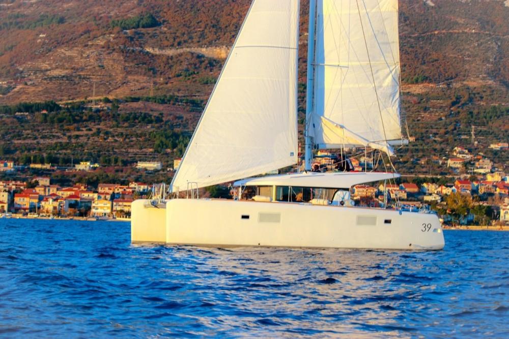 Rental yacht Croatia - Lagoon Lagoon 39 - 4 + 2 cab. on SamBoat