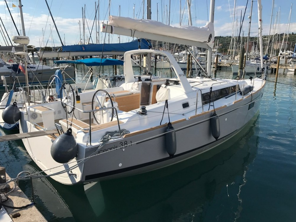 Rental Sailboat in Croatia - Bénéteau Oceanis 38.1