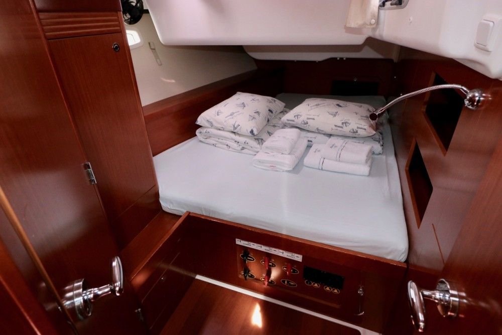 Hire Sailboat with or without skipper Bénéteau Croacia