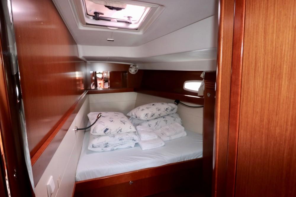Boat rental Croacia cheap Oceanis 50.5
