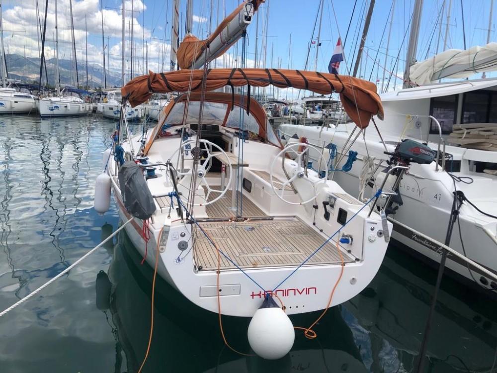 Rental Sailboat in Croatia - Salona Salona 38