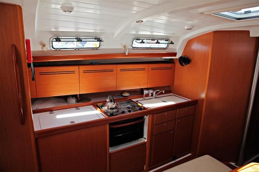 Rental Sailboat in Gürece - Bénéteau Cyclades 43