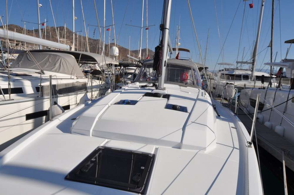 Hire Sailboat with or without skipper Bénéteau Gürece