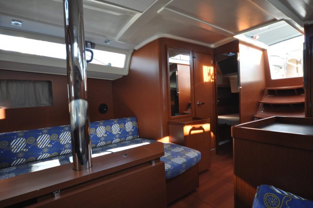 Boat rental Bénéteau Oceanis 41.1 in Gürece on Samboat