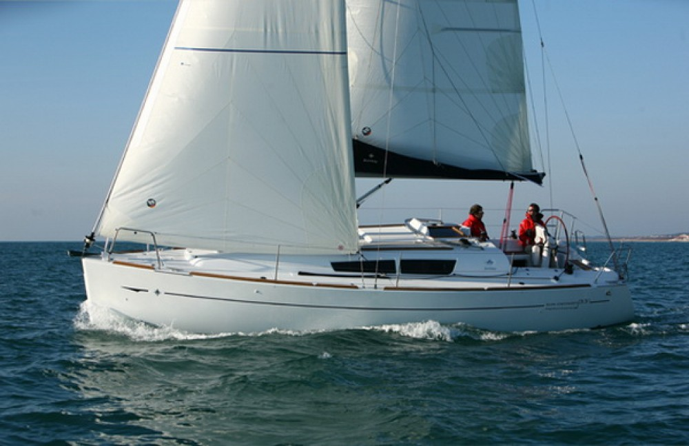 Jeanneau Sun Odyssey 33i between personal and professional Corfu