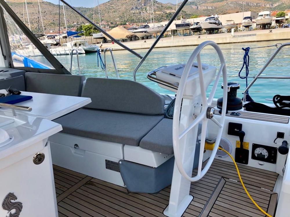 Boat rental Bénéteau Oceanis 51.1 in Seget Donji on Samboat