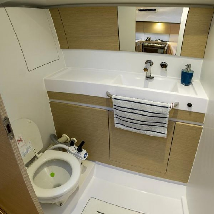 Rental yacht Split - Elan Elan 49 on SamBoat