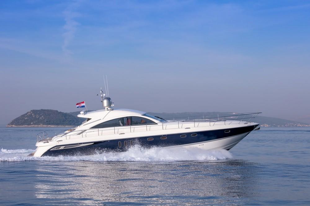 Boat rental Fairline-Boats Fairline Targa 62 GT - 3 + 1 cab. in Split on Samboat