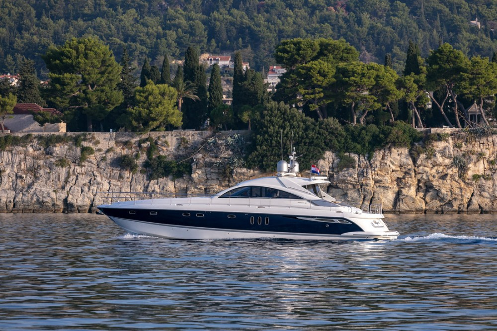 Hire Motorboat with or without skipper Fairline-Boats Split