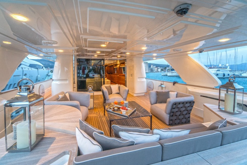 Ferretti-Yachts-Group Navetta 33 between personal and professional Trogir