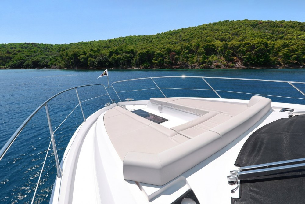 Rental Motor boat Sunseeker-International with a permit