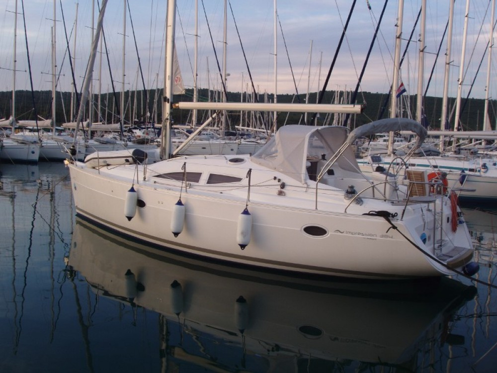 Hire Sailboat with or without skipper Elan Grad Pula