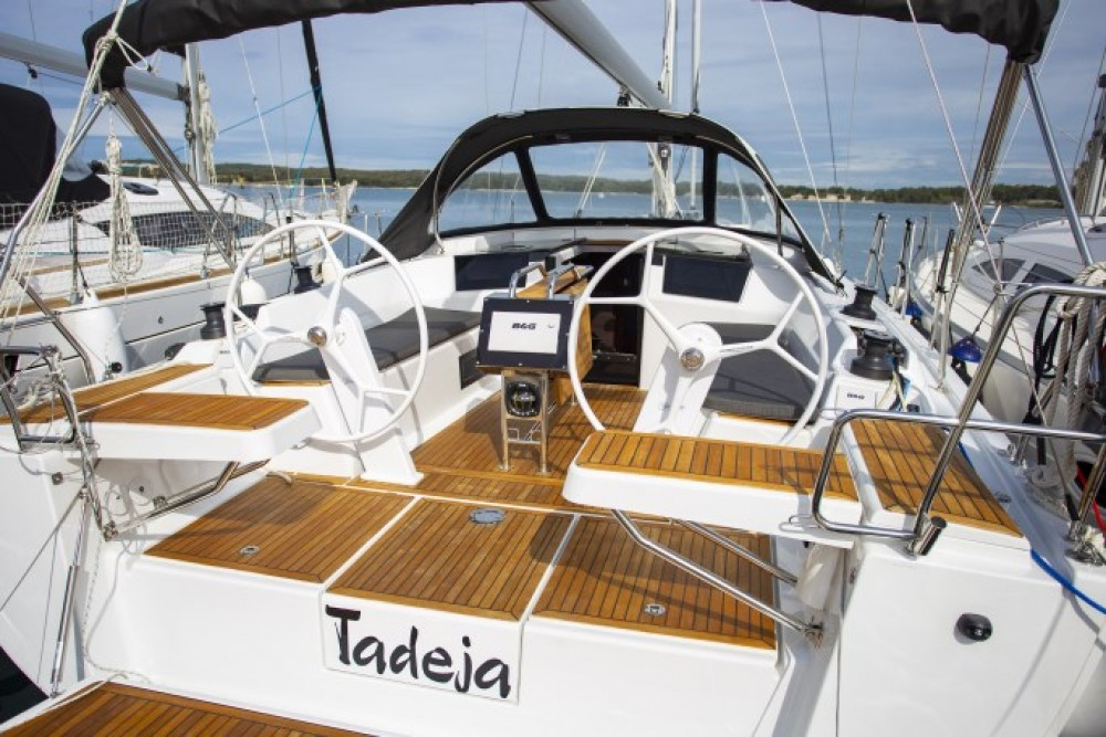 Rental yacht Pula - Hanse Hanse 388 on SamBoat