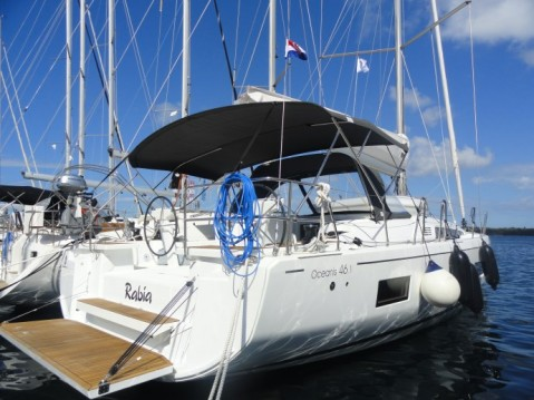 Hire Sailboat with or without skipper Bénéteau Pula