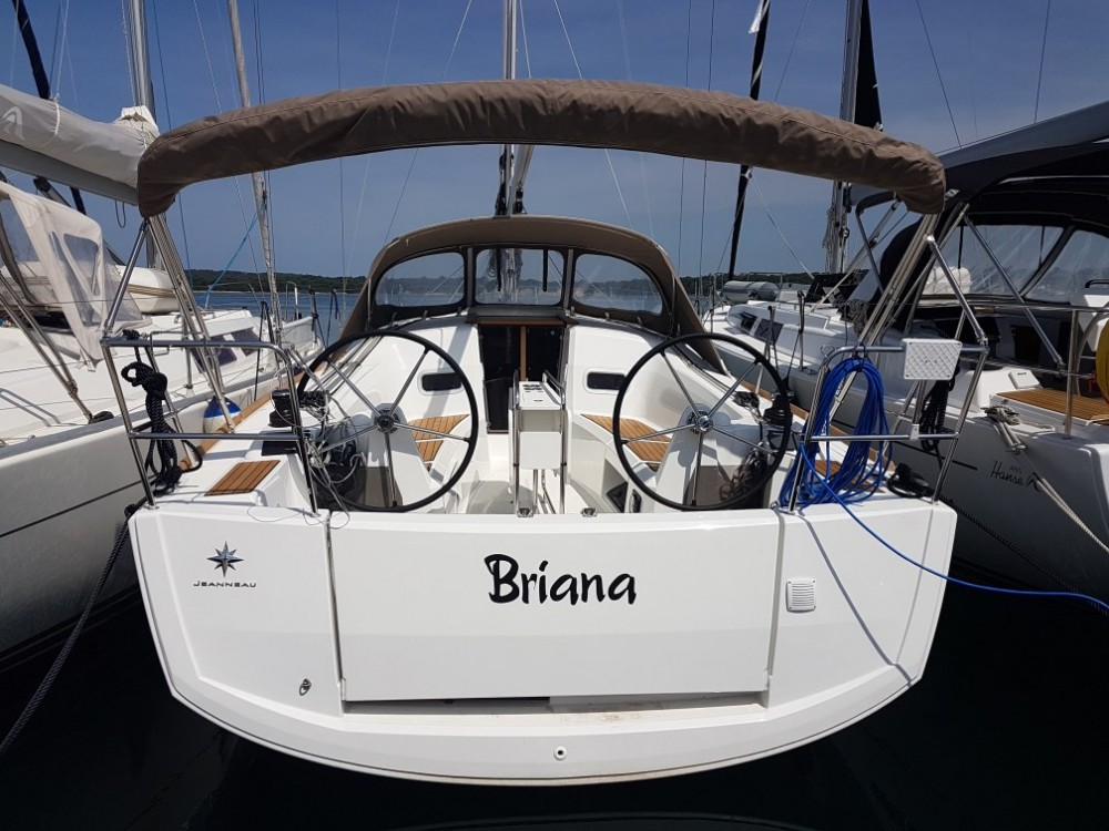 Jeanneau Sun Odyssey 349 between personal and professional Grad Pula