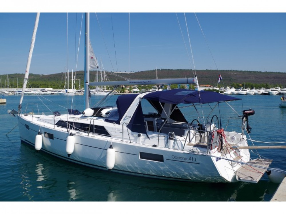 Rental Sailboat in Općina Sukošan - Bénéteau Oceanis 41.1