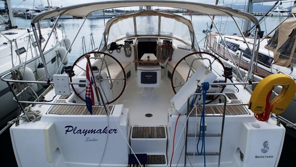 Rental Sailboat in Općina Sukošan - Bénéteau Oceanis 43