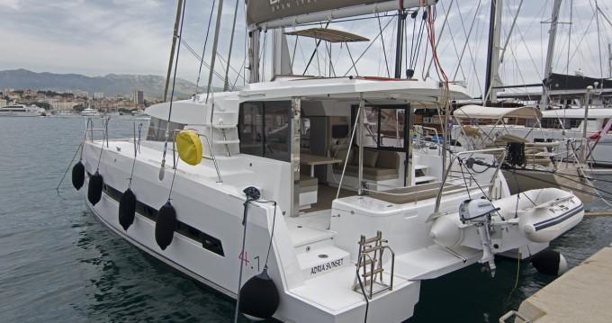 Boat rental Catana Bali 4.1 - 4 cab. in Split on Samboat
