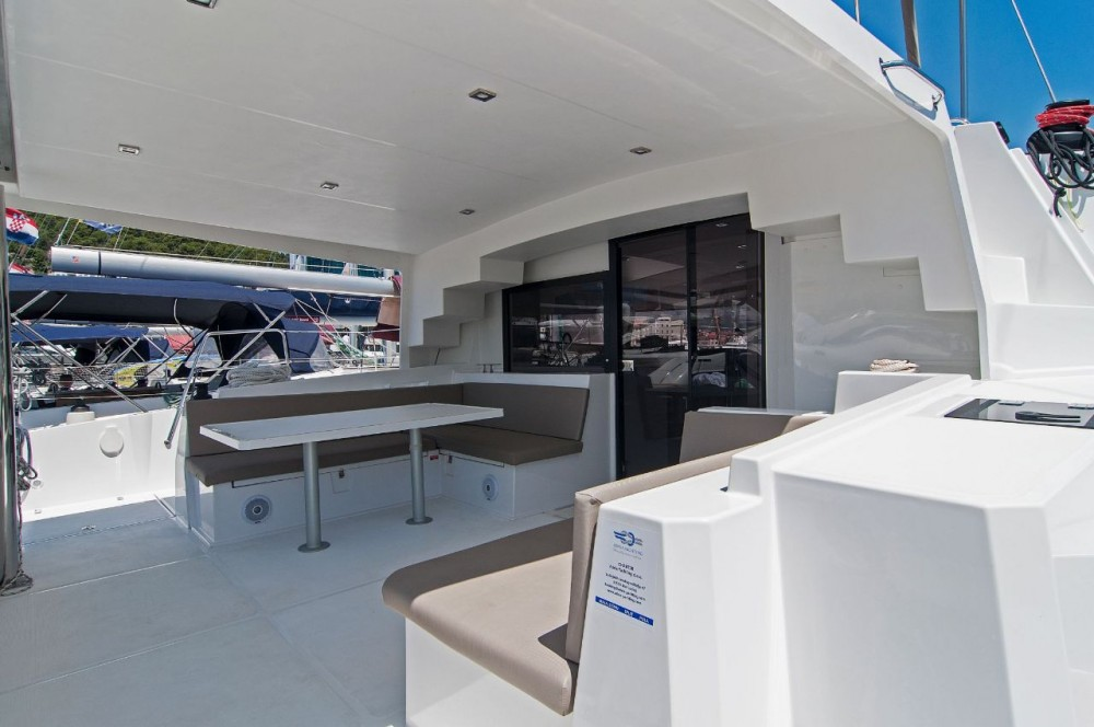 Rental Catamaran in Split - Catana Bali 4.5 - 4 + 2 cab.