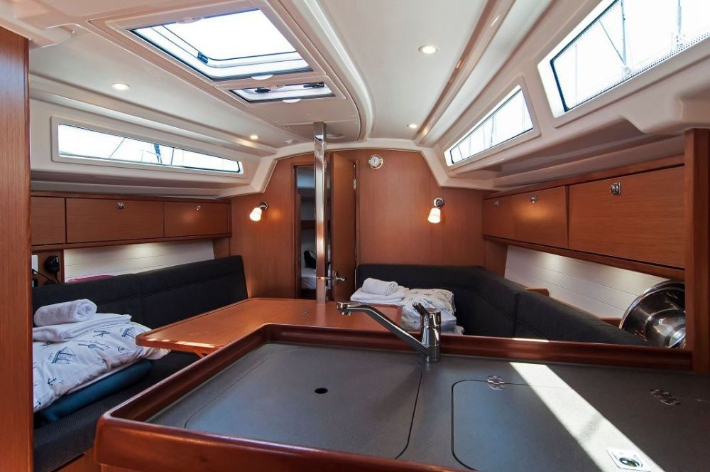 Rental Sailboat in  - Bavaria Cruiser 34
