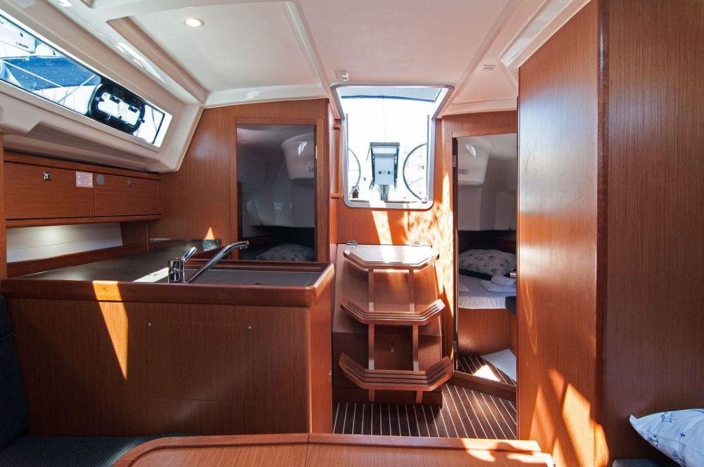 Boat rental  cheap Cruiser 34