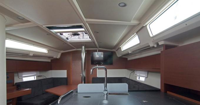 Boat rental Hanse Hanse 418 in Split on Samboat