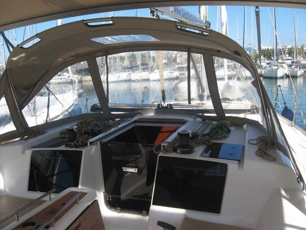 Rental Sailboat in Attica - Dufour Dufour 382 Grand Large