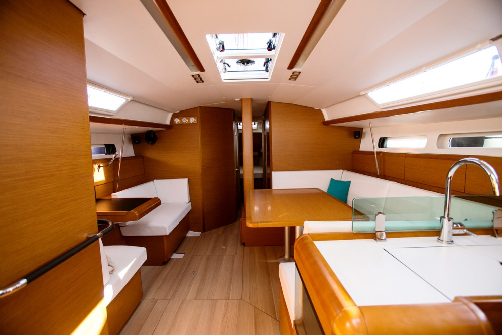 Jeanneau Sun Odyssey 449 between personal and professional Peloponnese