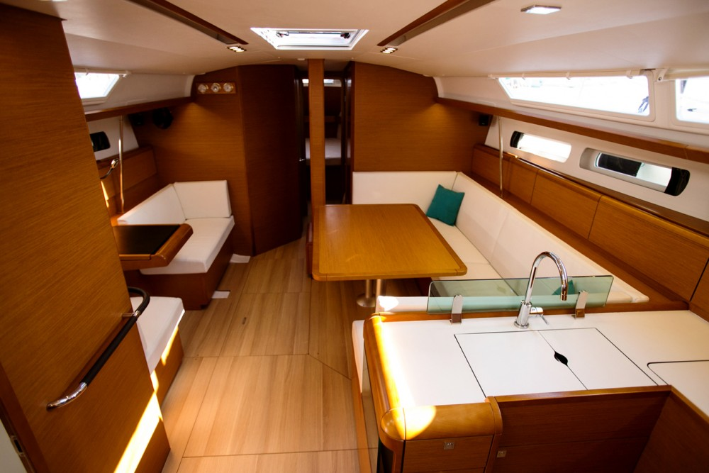 Jeanneau Sun Odyssey 449 between personal and professional Péloponnèse